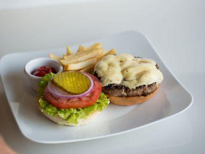 Deliciosas hamburguesas y menú para niños en Restaurante Don Cándido